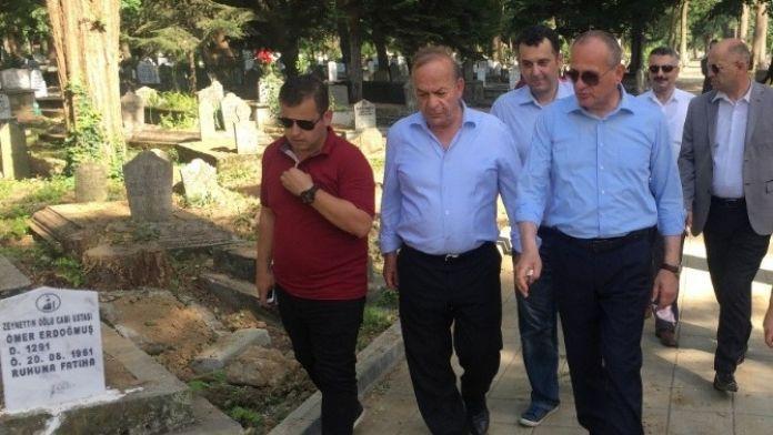 Başkan Keleş Şehir Mezarlığındaki Çalışmaları İnceledi