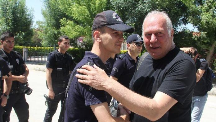 Gazeteciden Polise Teşekkür