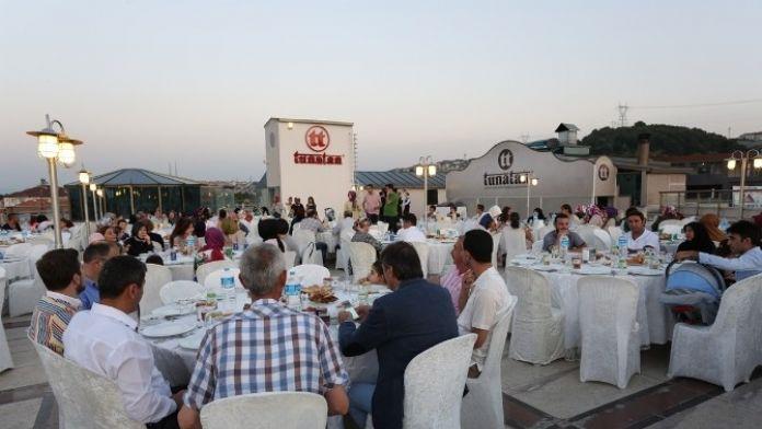 Başkan Yusuf Alemdar Yöçeyder Serdivan Şubesiyle İftar Açtı