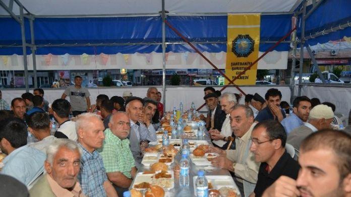 İftar Çadırlarında Günde 3 Bin 550 Kişiye İftar Yemeği