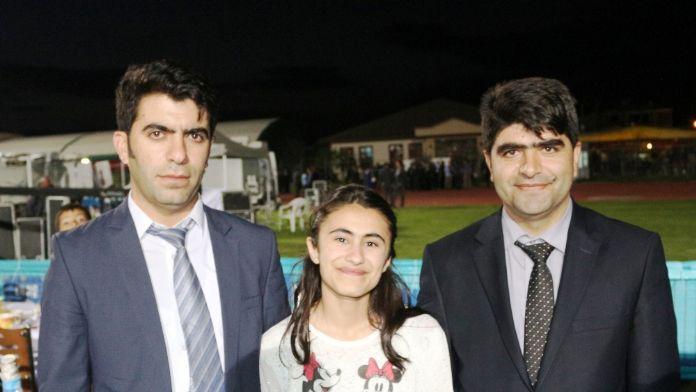 Başbakan Yıldırım'dan TEOG birincisi Marya'ya burs sözü