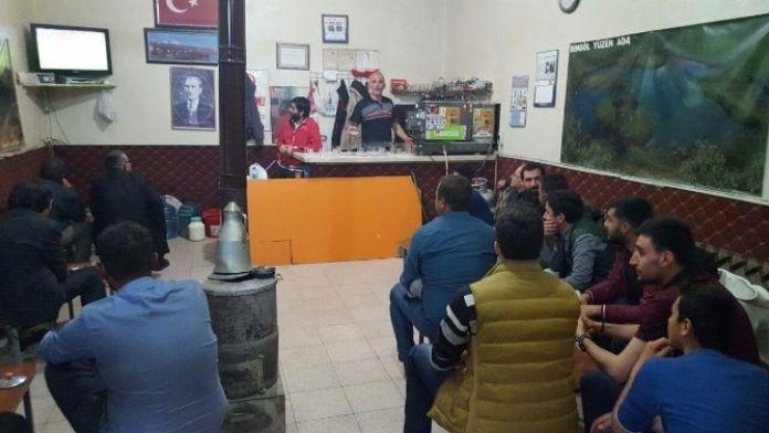 Ahlat'ta 'Milli Maç' Heyecanı