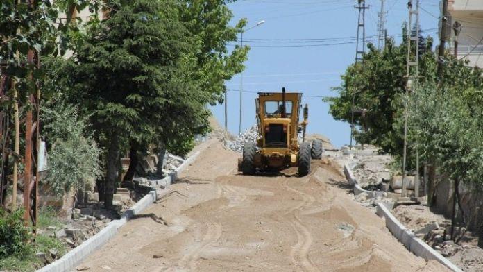 Esentepe Mahallesi'nde Yol Düzenleme Çalışmaları Sürüyor