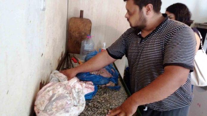 İzmitte Bozuk 45 Kilo Kokereç Malzemesi Ele Geçirildi