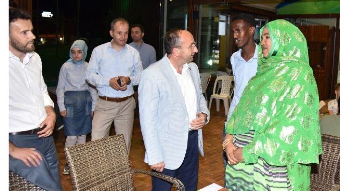 Başkan Üzülmez, Somalili Öğrencileri Ağırladı