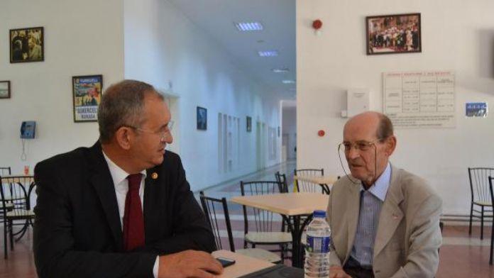 CHP'li Sertel'den eski hakem İhsan Türe'ye ziyaret