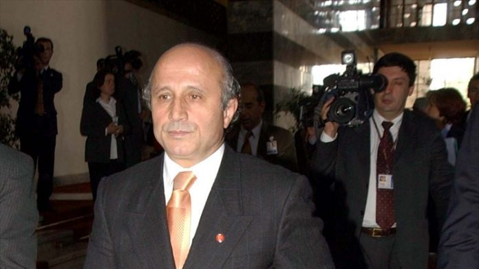 Yaşar Nuri Öztürk Yaşamını Yitirdi