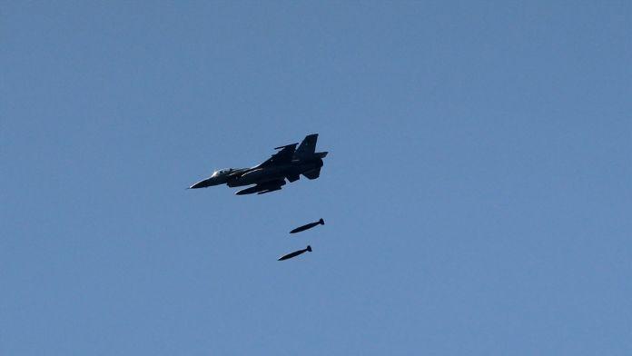 IŞİD hedefleri hem havadan hem karadan vuruldu
