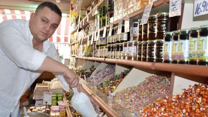 Bayram Şekerleri Tezgâhları Süslemeye Başladı