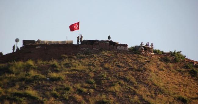 Derecik'te sınır bölüğüne havanlı saldırı