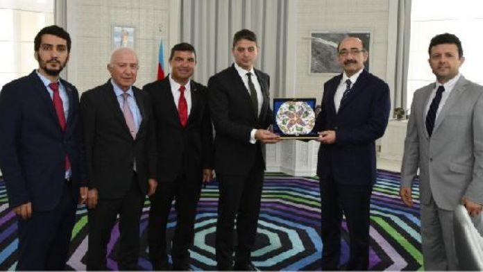 Azerbaycan Kültür ve Turizm Bakanı Kareyey, Türk iş adamları ile bir araya geldi