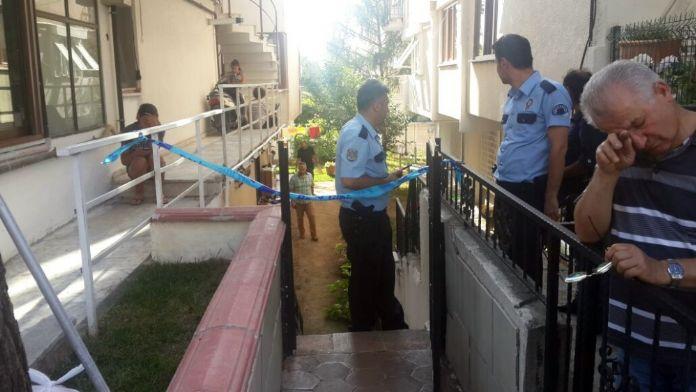 Bir evde 3 kişi ölü bulundu