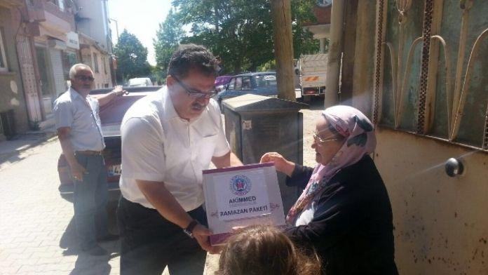 Akşehir'de İhtiyaç Sahiplerine Gıda Yardımı