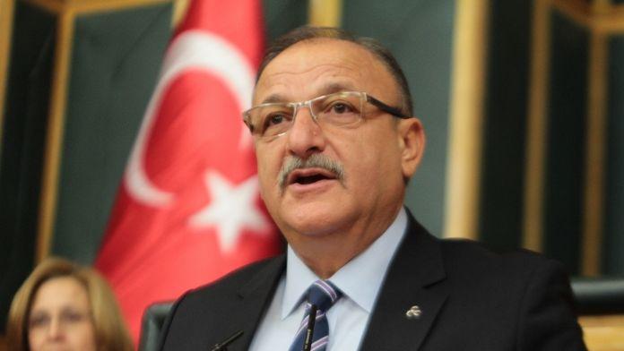 Oktay Vural istifasını Genel Kurul'a bildirdi