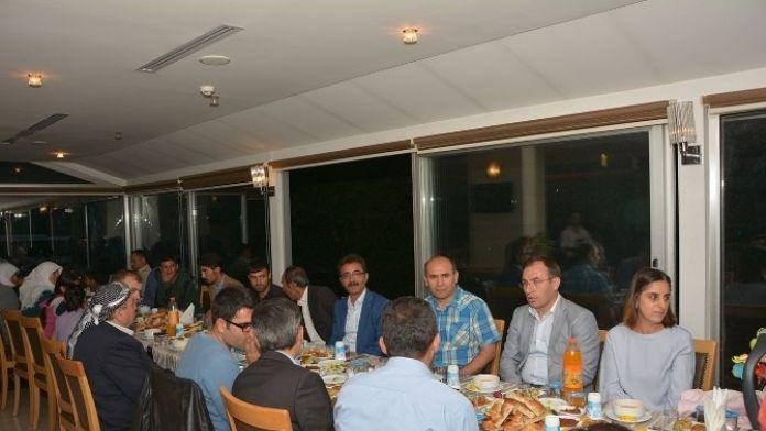 Çatak Kaymakamı H.asım Akgül'den, Şehit Aileleri, Gazilere İftar Yemeği