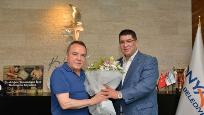 Aesob Başkanı Dere'den Başkan Böcek'e Ziyaret