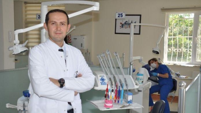 Diş Fırçalamadaki Yanlış Yöntemler Zarar Veriyor