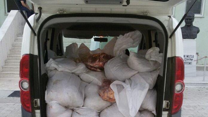 Edirne'de 1 ton kaçak et ele geçirildi