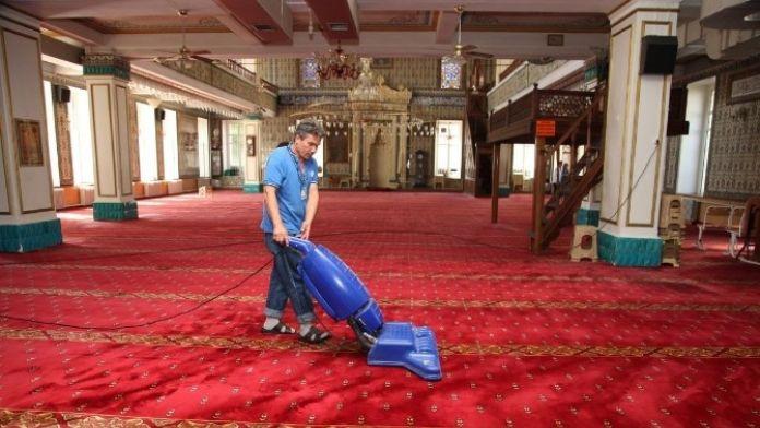 Odunpazarı'nda Camiler Temizleniyor