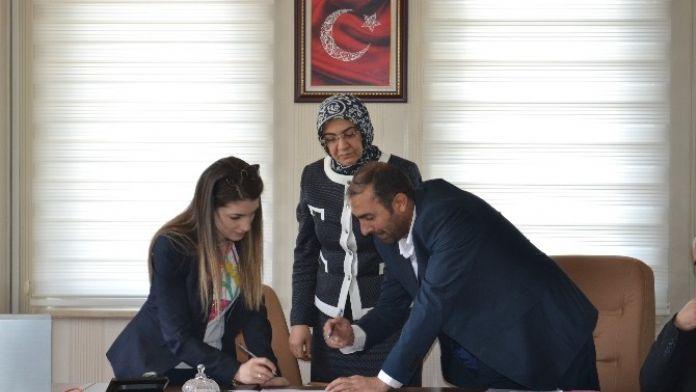 ASDEP Kapsamında İşe Alınan Sosyal Danışmanlar Sözleşme İmzaladı