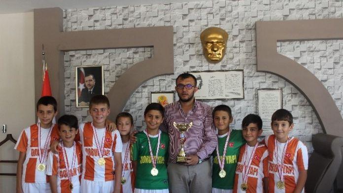 Minik Futbolculardan Başkan Yavaş'a Ziyaret