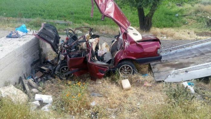 Afyonkarahisar'da Trafik Kazası; 4 Ölü, 1 Yaralı (1)