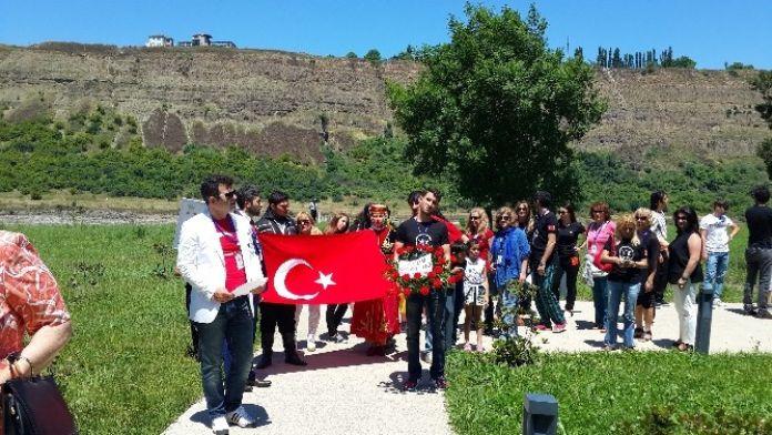 Agem, Azerbaycan'daki 'Dostluk Köprüsü' Uluslararası Halk Dansları Festivalinde