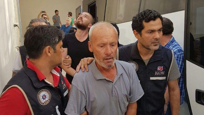 İzmir'de haraç çetesi çökertildi