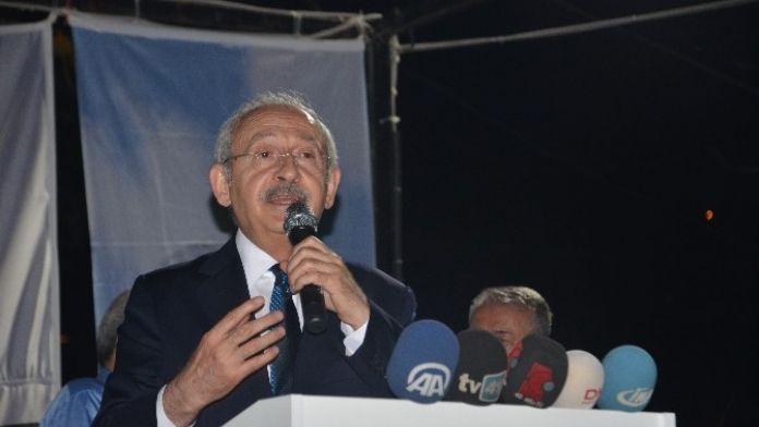 Kılıçdaroğlu, Kocaeli'de İftar Yemeğine Katıldı
