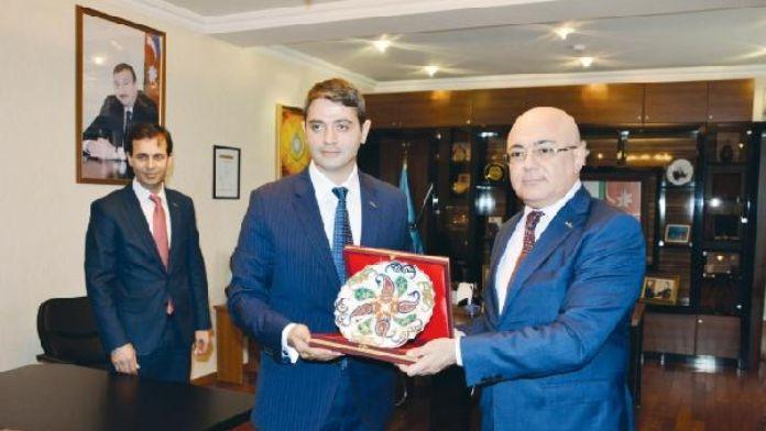 Azerbaycan Gümrük Komitesi Başkanı Aliyev, Türk işadamları ile bir araya geldi