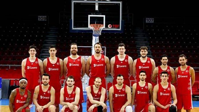 A Milli Erkek Basketbol Takımı Rio Olimpiyat Elemeleri'ne hazırlanıyor