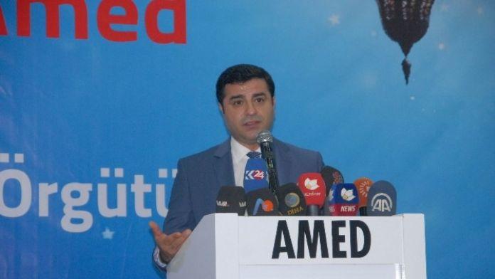 Demirtaş Diyarbakır'da İftar Programına Katıldı