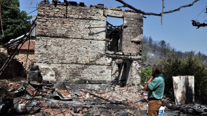 Kumluca'daki yangın kontrol altına alındı