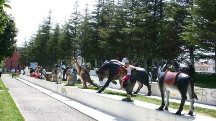 Melikgazi'de Yapay Hayvanat Bahçesi