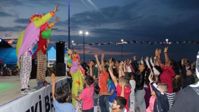 Lapseki'de Çocuklara Ramazan Eğlencesi