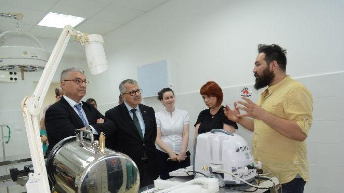 TİKA'dan Tiran'daki Veteriner Kliniğine Ekipman Desteği
