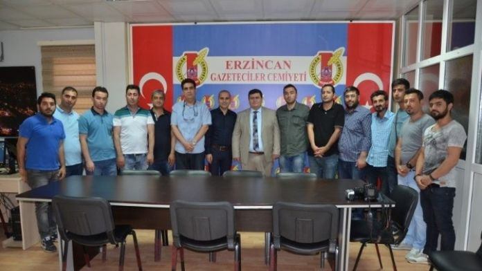 Vali Arslantaş Erzincan Gazeteciler Cemiyetini Ziyaret Etti