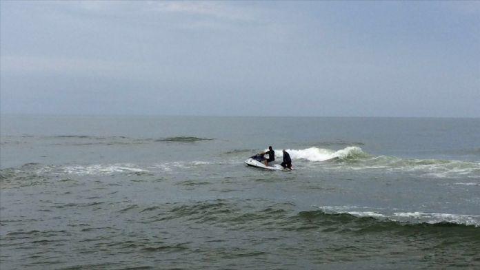 Sakarya'da denizde kaybolan kişiyi arama çalışmaları