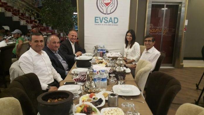 Başkan Keleş, Evsad'ın Yapıldığı İftar Yemeğine Katıldı