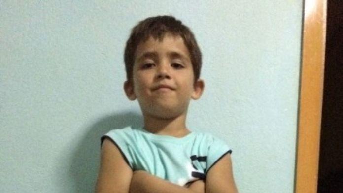 8 Yaşındaki Emirhan 11 Günlük Yaşam Mücadelesini Kaybetti