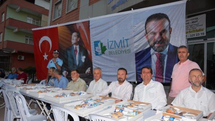 İzmit Belediyesi, Toplu İftar Programları Devam Ediyor