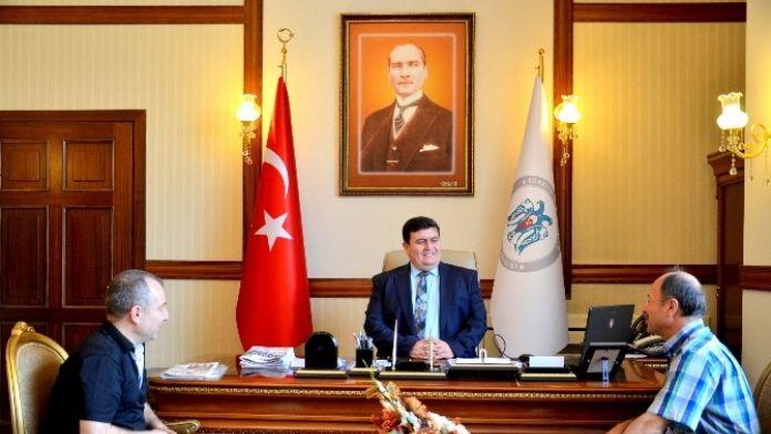 Türkiye Gazetesi Ve İhlas Yetkili Servis Temsilciliğinden Vali Arslantaş'a Ziyaret