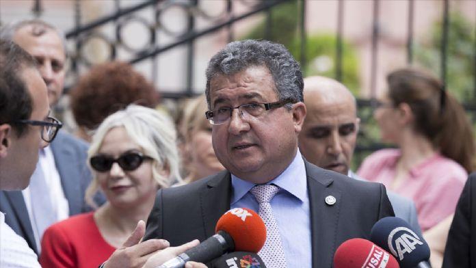 Yüksek yargı ile ilgili yeni düzenleme protesto edildi