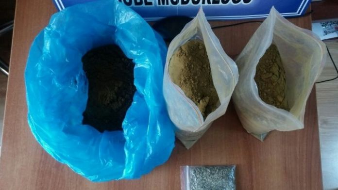 Gişelerde Yakalanan Uyuşturucu Satıcıları Tutuklandı
