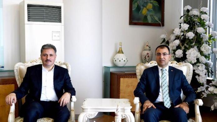 Vali Toprak'tan Başkan Çakır'a Ziyaret
