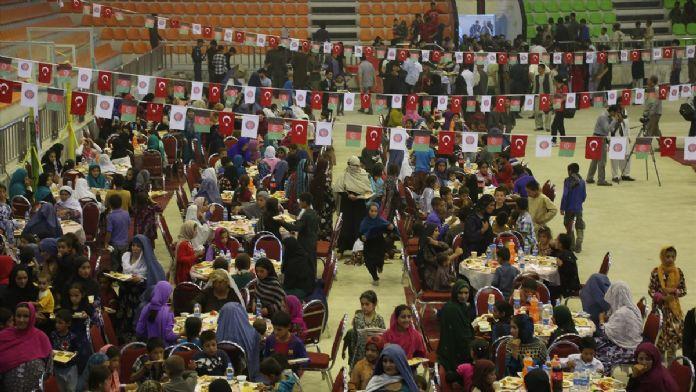 TİKA'dan Kabil'de yetim öğrencilere iftar
