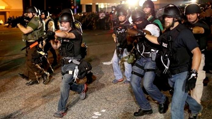 Amerika'da Siyah İsyan Yayılıyor. 5 Polis Öldürüldü. Çok Sayıda Yaralı Var.