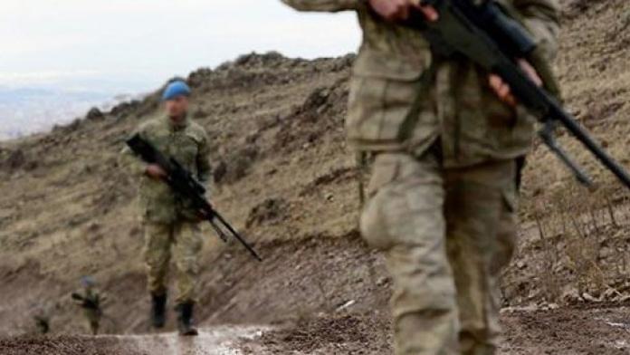 Şemdinli'de Askere Saldırı Hazırlığı Yapan Teröristler,  Boylarının Ölçüsünü Aldılar.