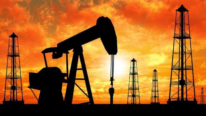 Brent petrolü hareketlendi. Varil fiyatı 47 Dolar'a çıktı.