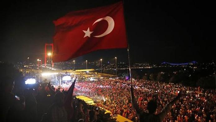 Şu Çılgın Türkler, Yine Meydanlarda...
